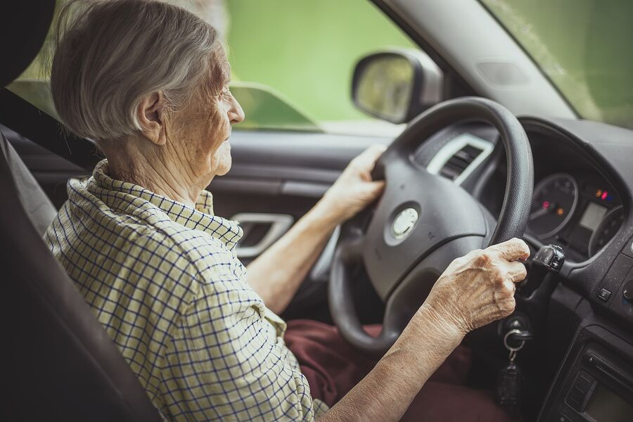 Home Care Services in Johns Creek GA: Distracted Driving?